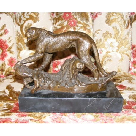 Puma, bronze sculpture with DOCS